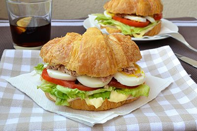 Croisant Cheese and Tomato/Egg